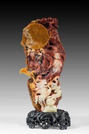 Jaspe sculpté de la Déesse dans les cieux. Chine. XIX-XXème. H : 28 cm.