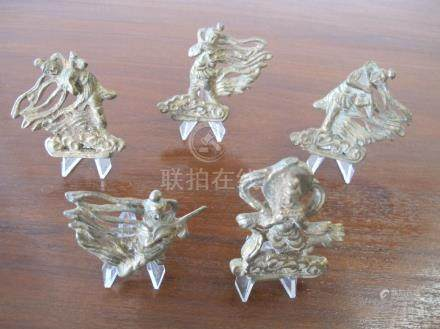Collection de cinq Apsaras volantes, danseuses et  musiciennes célestes Fei Tia