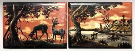 Paire de petits panneaux en bois laqué polychrome et or à décor animalier pour