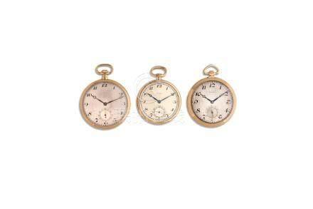 LOT de 3 montres de poche en or 18K. Vers 1920Poids brut 158,8 gr.