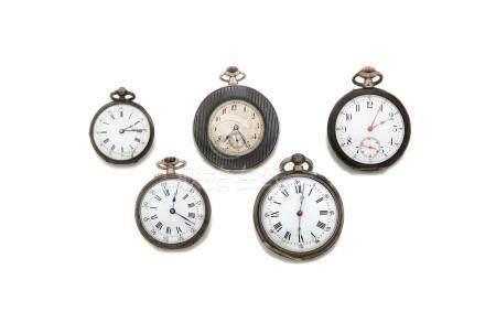 LOT de 5 montres de poche en argent et métal.