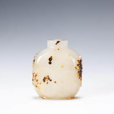 CHINESE AGATE FOOLION SNUFF BOTTLE
