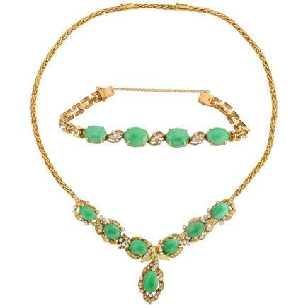 18K Gold, Diamonds, and Chinese Jade Necklace and Bracelet Set
