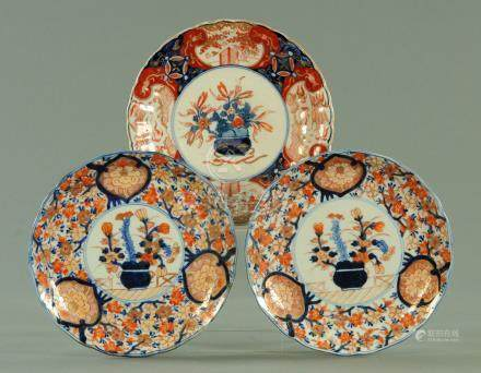 A pair of Japanese export dishes, circa 1880,