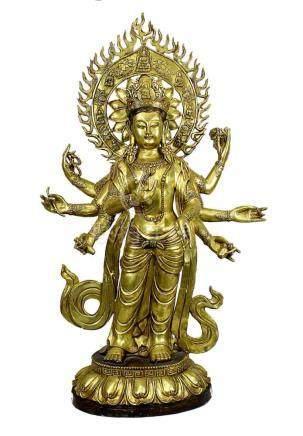 Großer Bronze-Buddha Amoghapasha, Tibet neuzeitlich, auf Lotuspodest stehende 8-armige Figur in