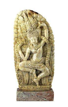 Speckstein-Relief einer Tänzerin, Indien neuzeitlich, dekorative Figur handgeschnitzt aus