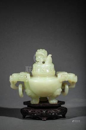 Brule parfum tripode à couvert et anse zoomorphe à décor de chimères et anneaux