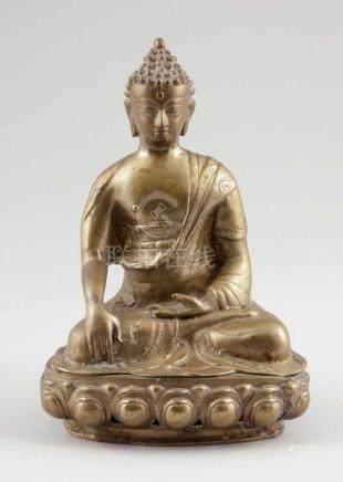 BuddhaBurma, um 1900. Bronze. H. 26 cm. Zweiteilig gegossen und zusammengesetzt.