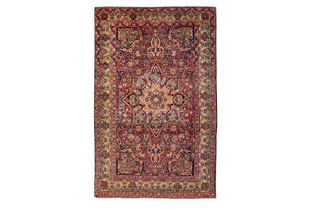 AN ANTIQUE KIRMAN LAVER RUG, SOUTH PERSIA approx: