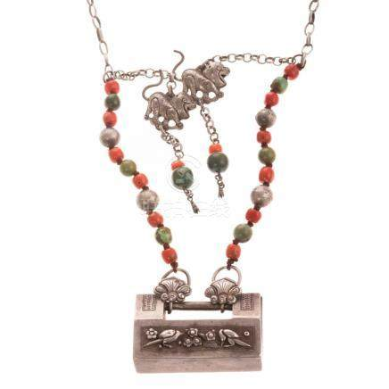 Chinese Qing Dynasty Silver Lock Necklace