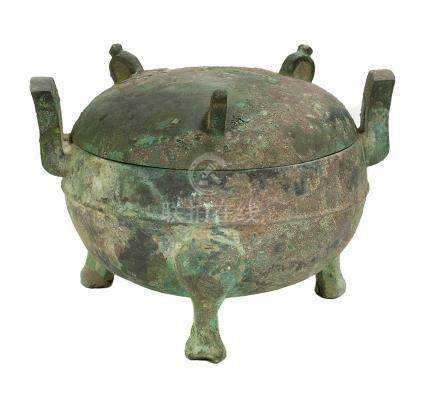 Chinese Bronze Ritual Tripod Food Vessel (Ding)
