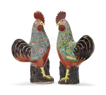 A PAIR OF FAMILLE ROSE ROOSTERS