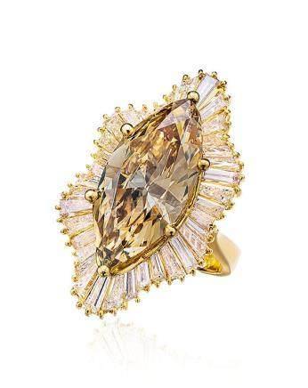 6.88克拉彩棕黄色钻石配钻石戒指,净度VS1