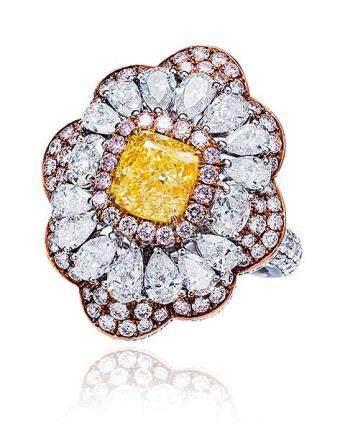 1.70克拉彩黄色钻石配钻石戒指