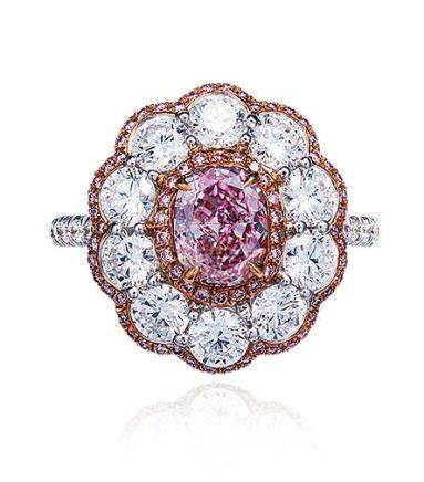 1.00克拉彩棕粉色钻石配钻石戒指
