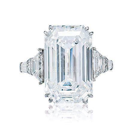 10.01克拉D色钻石戒指