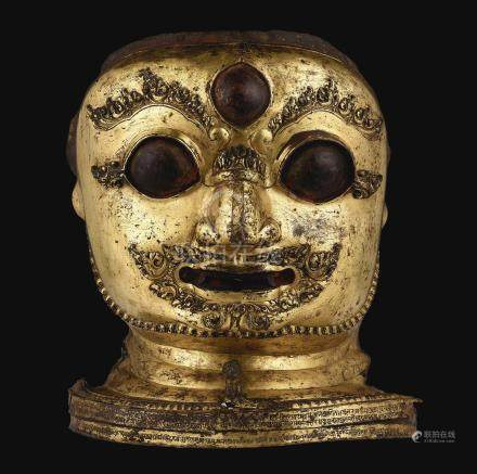 1545年   尼泊爾鎏金銅鏨花陪臚面具