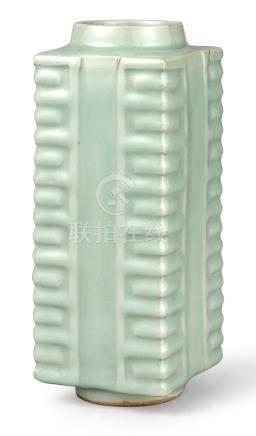 宋   龍泉窰青釉琮式瓶