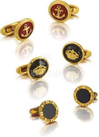 Unsigned 三對黃金袖扣,約2000年製。