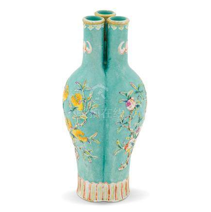 QING FAMILLE ROSE CONJOINED VASE