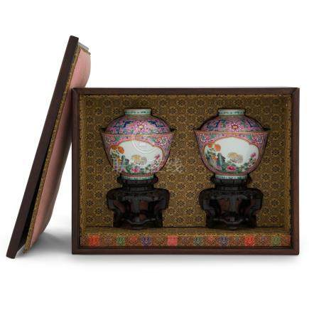 PAIR QIANLONG FAMILLE ROSE CUPS IN PROTECTIVE BOX