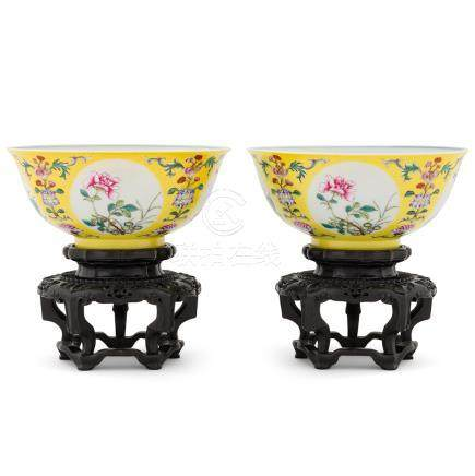 PAIR FAMILLE JAUNE FLORAL BOWLS ON STAND