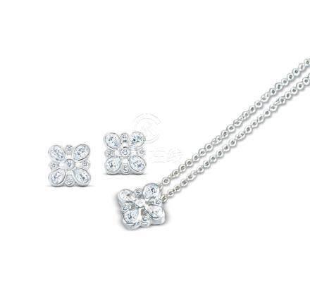 帝芙尼 'ENCHANT' 钻石耳环及项链