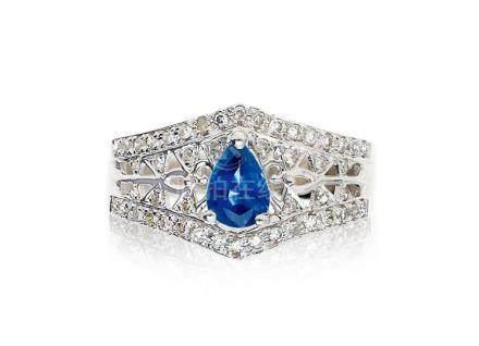 天然梨形蓝宝石配钻石戒指