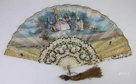 L. BAQUET, XIXème siècle. Eventail à décor d'un moulin au bord de l'eau d'un cô