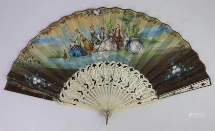 L. BAQUET, XIXème siècle. Eventail à décor d'une scène galante d'un côté et d'u