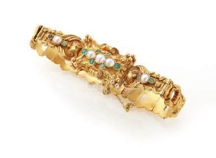 Bracelet en or jaune 18K (750/°°) à plaquettes stylisées articulées, la partie