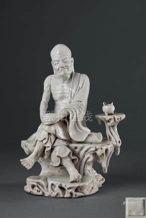"""清 白瓷羅漢""""博及漁人""""款"""