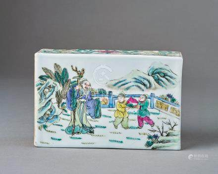 民國 粉彩人物瓷枕