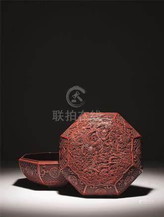 明-清初 剔红海水龙纹八角盒