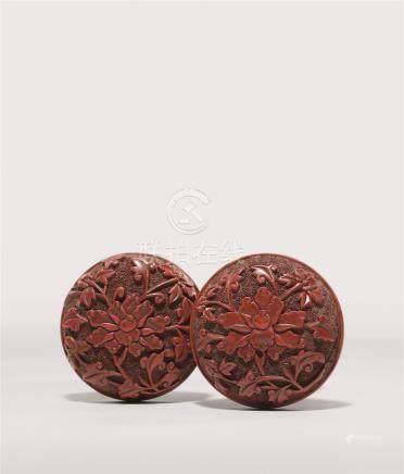明 剔红牡丹花双面雕香盒