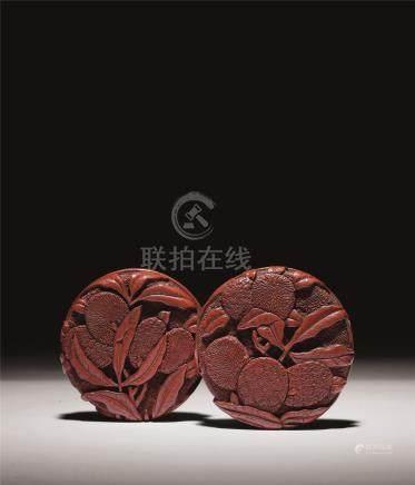 明 剔红荔枝纹两面雕香盒