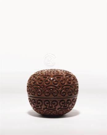 明 褐色剔犀宝珠形香盒