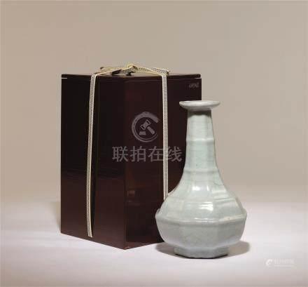 清初 仿官釉八角竹节瓶