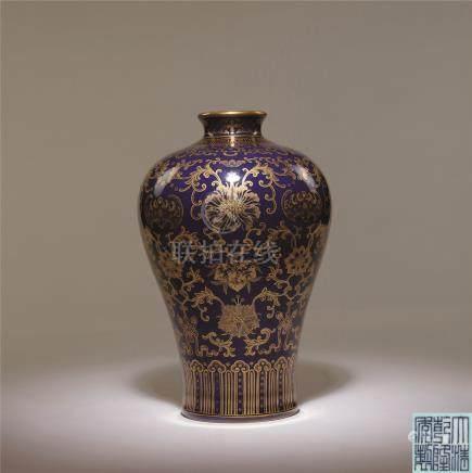 清乾隆 蓝釉描金福寿纹梅瓶