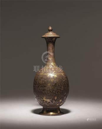 唐 银錾花鎏金葡萄鸟兽纹净瓶