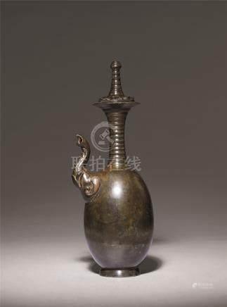 唐 青铜象鼻净瓶