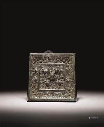 唐 青铜海兽葡萄方镜