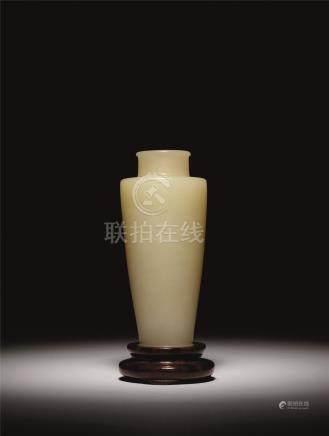 清 青玉素身瓶