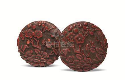 明 剔红花卉两面雕香盒