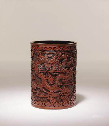 清中期 剔红铜胎龙纹笔筒