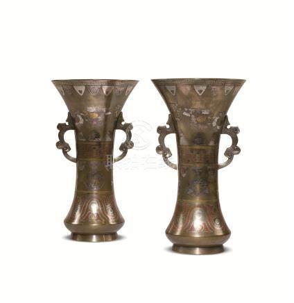 明治时期 铜象嵌菊纹双耳花瓶 (一对)