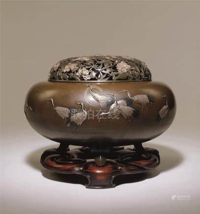 明治时期 铜金银象嵌仙鹤纹大香炉
