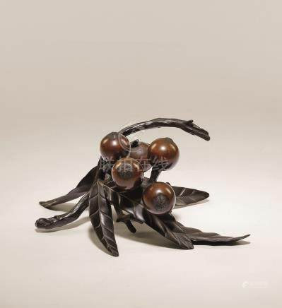 明治时期 古铜枇杷摆件