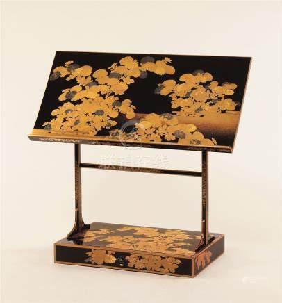 明治时期 宫家御用金莳绘菊纹见台