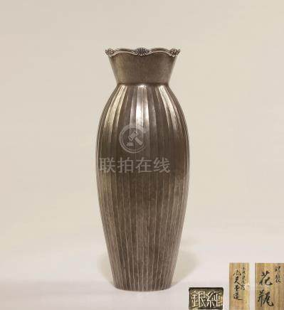 纯银弦纹花口瓶
